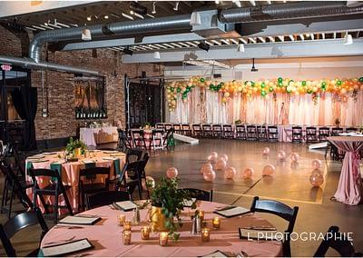 L-Photographie-Saint-Louis-mitzvah-photography-Central-Reform-Congregation-Third-Degree-Glass-Factory_0036